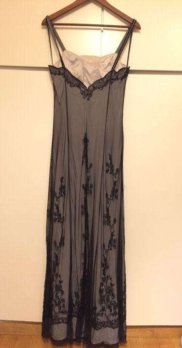 Μακρύ βραδινό μαύρο φόρεμα κεντημένο στο χέρι . Αφόρετο . Αγορασμένο α