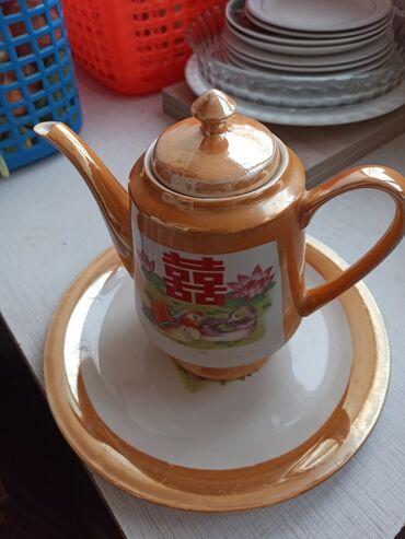 Продаю чайник и салатницу, самовывоз 6 мкр