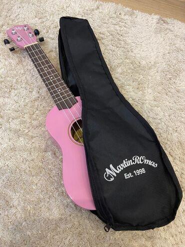 Укулеле сопрано *Martin* *Romans* Цвет: розовый Состояние: новый Цена