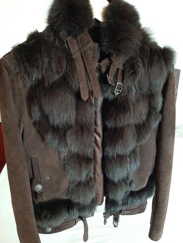 Kozna jakna sa krznom - Srbija: Tamno braon kozna jakna sa krznom lisice i zeca, M velicina, nosena