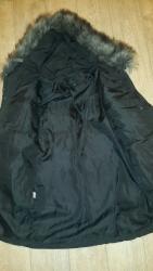 женская платья размер 44 в Кыргызстан: Женский пуховик в отличном состоянии. Размер 44-46. Мех отстегивается