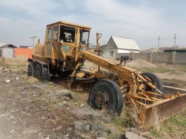 Продаю грейдер, прошу 4700$  все вопросы по телефону в Бишкек