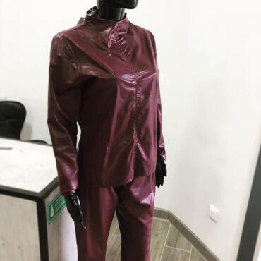 темно коричневое платье в Кыргызстан: Женский костюм из эко кожи🏷Цена: 1075сомРасцветки: бордовый