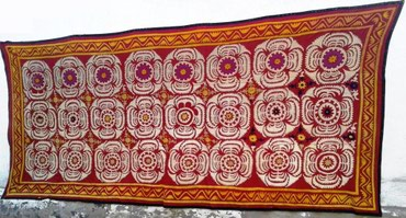 Декор для дома в Таджикистан: Большое старинное сюзане ручной работы.Материал для основы вышивки