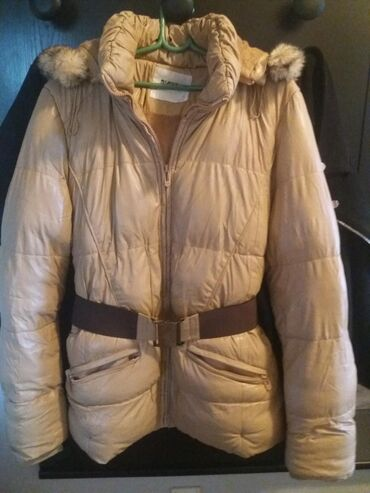 Zimske jakne sa krznom - Srbija: POVOLJNO. Zimska jakna krem boje. nepromociva. topla. sa