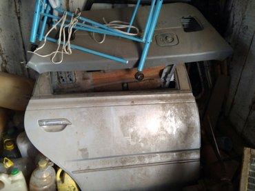 Ниссандын арткы эшиги жана багажы айнеги жок в Каракол