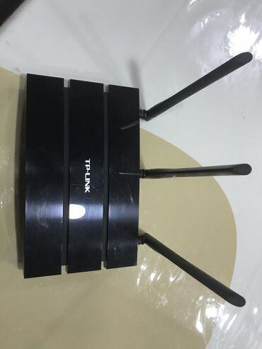 роутер для провайдера в Кыргызстан: Продаю роутер Tp-Link N450  Отличный роутер с высоким диапазоном покры