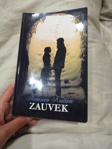 Knjiga Tamare Kucan. KAPIJA. Original kupljena pre par godina, kniga