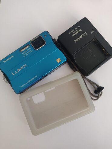 Стильный фотоаппарат с функцией подводной сьемки Размер матрицы: 1/2.3
