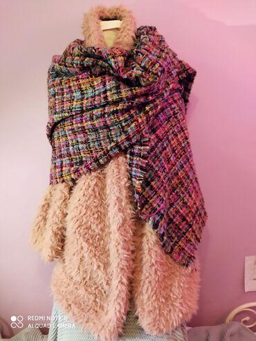 Ženski kaputi - Srbija: Čupavi kaput,nežno roze boje,veličina m ili 38,postavljena,meka.Širina