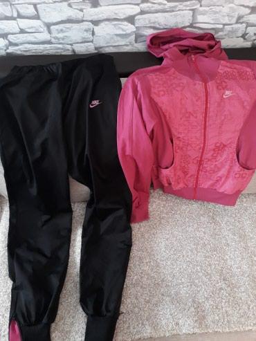 Mada-je-veca - Srbija: Trenerka ženska Nike original . Na trenerci piše XLmada je L,M