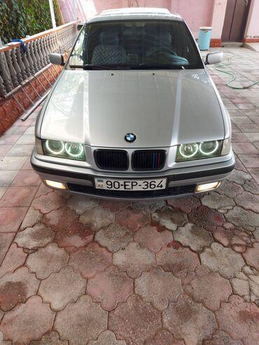 BMW 320 2 l. 1997   296600 km