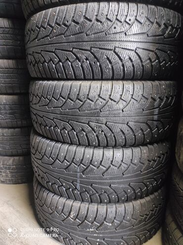 шины на 17 цена в Кыргызстан: 275.65.17 размер Продаю шины комплект зимняя цена 13000 сом