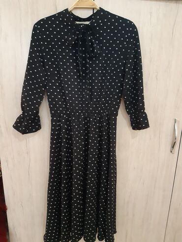 Платья - Кыргызстан: Платья фабрична китай,носила 2раза,по колено,размер 42-44,рукава и
