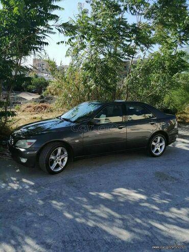 Lexus IS 2 l. 2001 | 273000 km