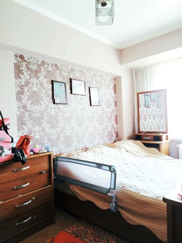 Продается квартира: 4 комнаты, 80 кв. м., Бишкек в Бишкек