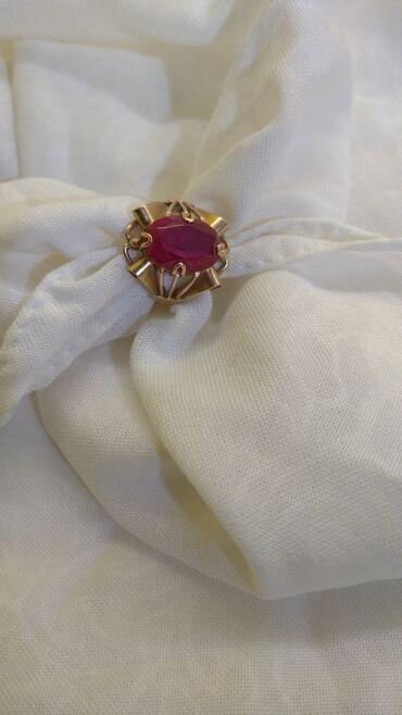 Продаю шикарный перстень,камень рубин.Золото СССР 583 проба