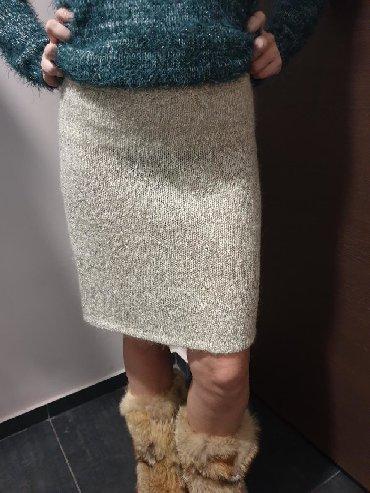 Suknja nova sa etiketom vel S. Materijal trikotaza. Mogućnost - Crvenka