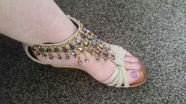 Ženska obuća | Pirot: Sandale prelepe 37 broj .Veoma malo nosene .Placene 2 900 din.Ne znam