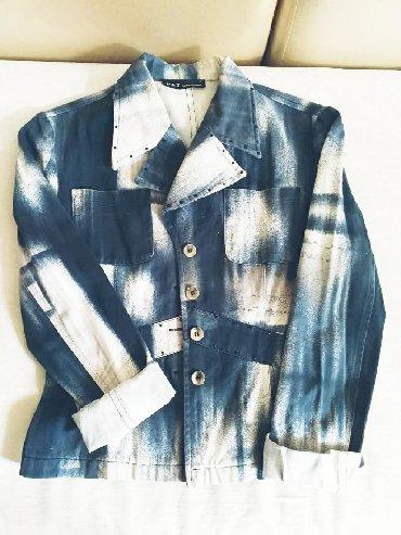 женский пальто в Кыргызстан: Женская одежда ( пальто - 1000с; 2 костюма за 1000с.пиджак - 300с)