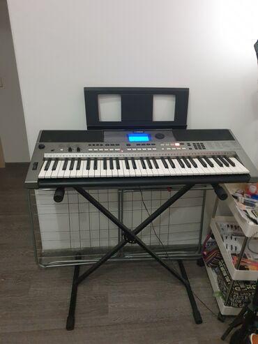Продаю синтезаторYamaha PSR E443Стойка и сумка в комплекте в подарок