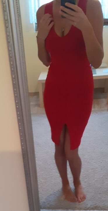 201 oglasa: Nova karmin crvena haljina