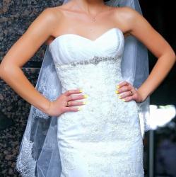 платье из кружева в пол в Кыргызстан: Продаю шикарное свадебное платье,из нежного кружева цвета айвори,с