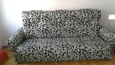 Продаю мягкую мебель: диван и два кресла