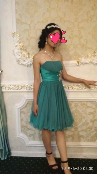 Продаю  платье красивое,одевала один раз,44раз,2600сом.тел. в Novopokrovka