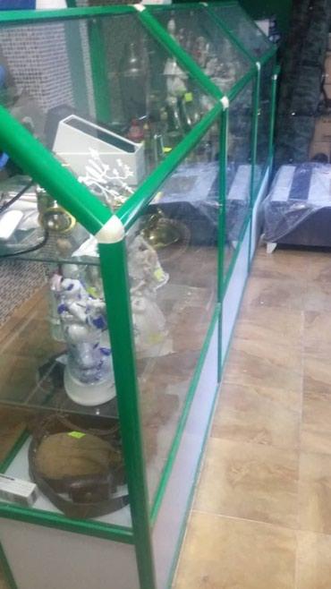 Продаю стеклянные витрины 5 штук в Бишкек
