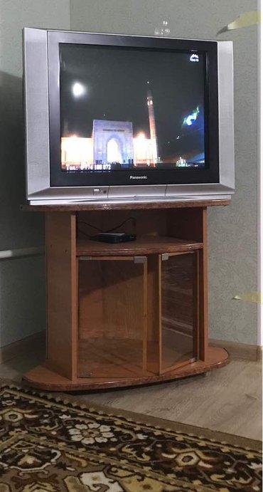 Телевизор Panasonic с подставкой, оба в в Лебединовка