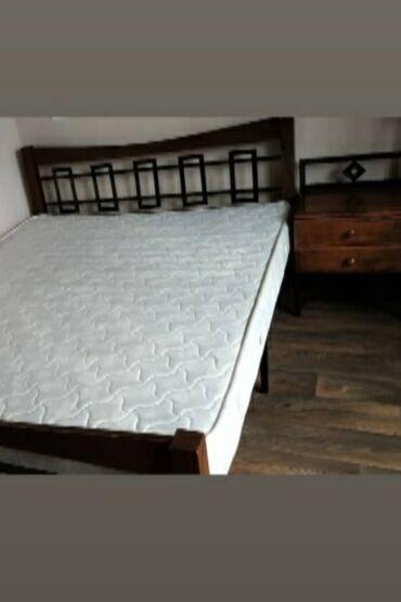 Кровати - Кыргызстан: Продаю двухспальную кровать,в отличном состоянии,размер 2 м.С