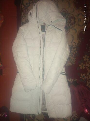 Отдам за 300сом зимняя куртка размер 42