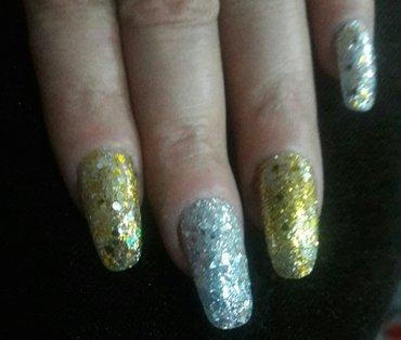 Xırdalan şəhərində наращивание ногтей гелем-цена 20 манат,дизайн -цена отдельная-5 манат.