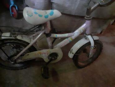 Zenske stvari - Srbija: Deciji zenski bicikli koriscen ali ima obe gume nove promenjene