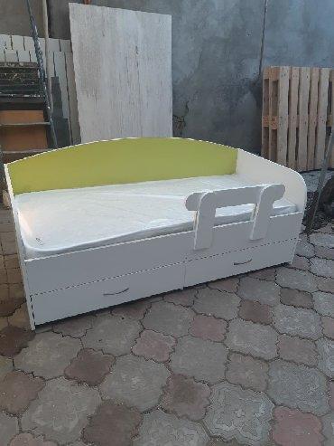 Детская Кровать односпальная Продаю детскую кроватьОдноспалкаС двумя