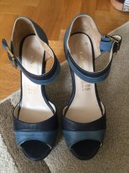 Kozne zenske sandale, nove, obuvene samo jednom sto se moze i videti