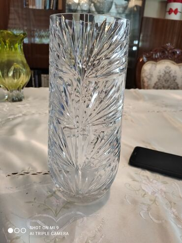 Антикварные вазы - Бишкек: Продаю хрустальную вазу для цветов