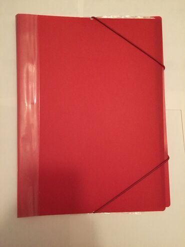 kagiz - Azərbaycan: Qırmızı papka. İçindəki fayllara vərəq,kağız yerləşdirilir. Təmizdir