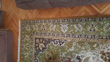 Kvalitetan tepih kao nov nigde ostecenja 295x400