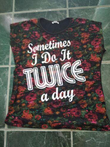 Ženska odeća | Cuprija: Siroka, kratka, pamucna majica, l velicina