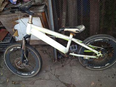 бмх за 10000 в Кыргызстан: Продаю велосипед для детей бмх 3500к го обмен интересует