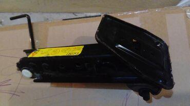 Auto dizalica za Ford Escort, ispravna