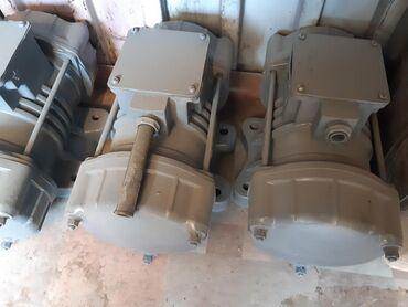 Продаю вибраторы площадочные ив-98 380в. 3000 обор.мин. 0.9квт.новые