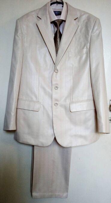 галстуки бишкек in Кыргызстан   ДРУГАЯ МУЖСКАЯ ОДЕЖДА: Костюм тройка плюс рубашка и галстук. Размер = 48, В идеальном