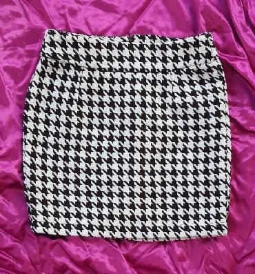 Zimska mini karirana suknja poluobim struka je - Srbija: Pepito mini suknja vel. 36, marke Amisu. Označena veličina 36