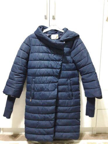 Практически новая куртка хорошего качества, зимняя
