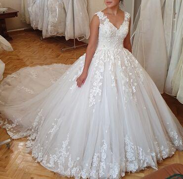 Свадебные фужеры - Кыргызстан: Срочно продаю оптом шикарные свадебные платья по супер цене!!! Супервы