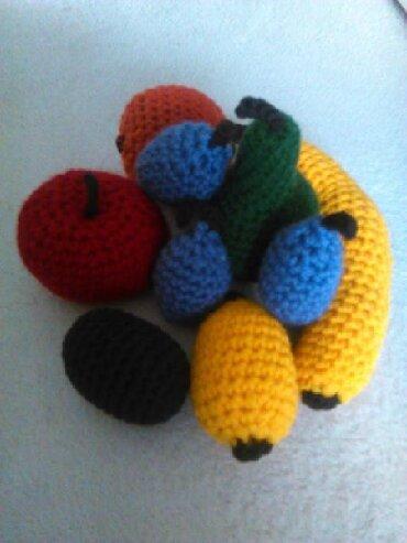 Kuća i bašta - Vrsac: Rucni rad-heklano voce od vunice