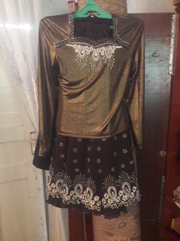 Женская одежда - Кызыл-Кия: Продам тройку кофта юбку с костюмом Обрашаетесь по тел номен: город